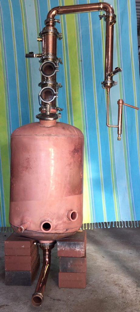 copper still, pot still, distillation, swan neck, copper pot still, moonshine, gin basket, sight glass, tri-clamp ferrule, still column, gin distillation, distillation column, bubble tee, whisky still, moonshine still, alcohol production, making moonshine