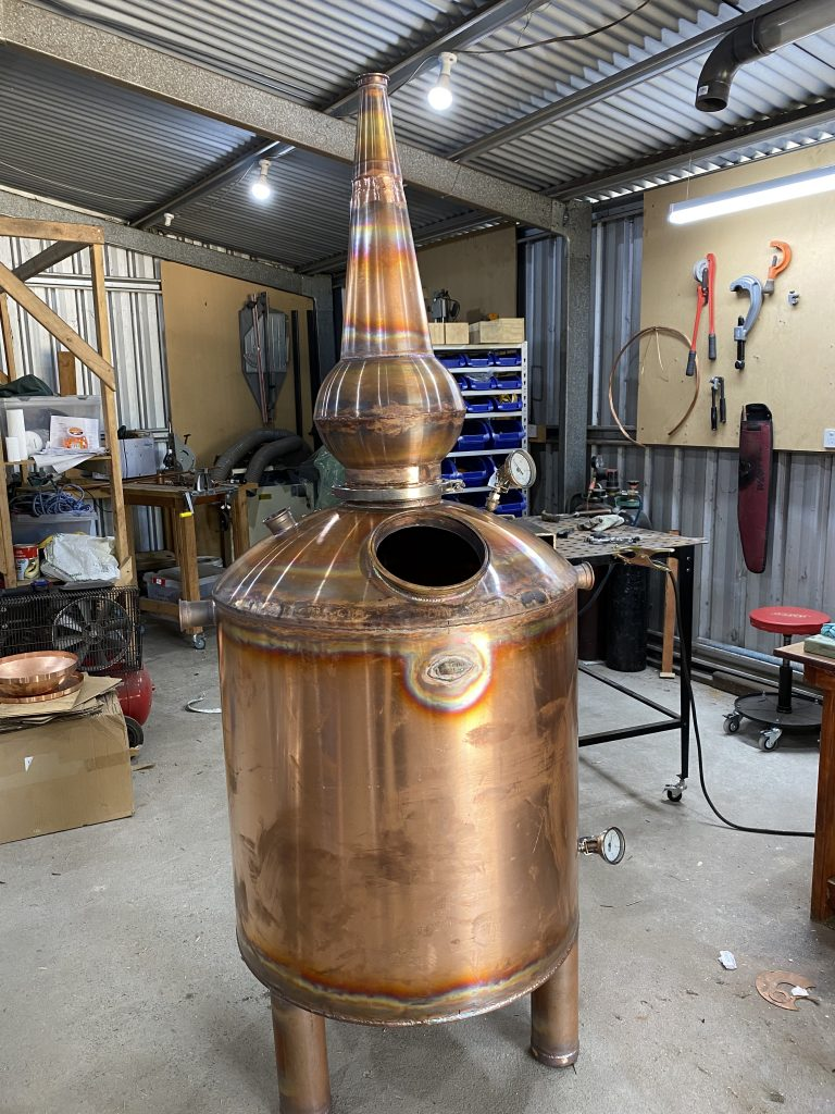 copper boiler, copper still, distillation, whisky still, pot still, copper pot still, gin still, lyne arm, onion ball, swan neck